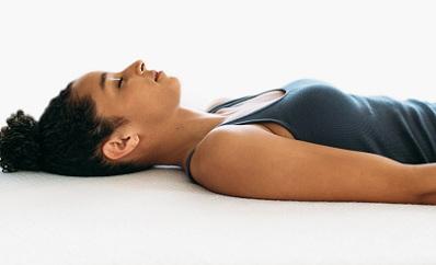 Ровное положение спины во время сна